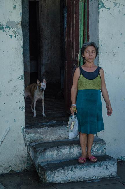 woman_and_dog